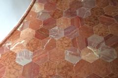 Hexagones marbres rouges